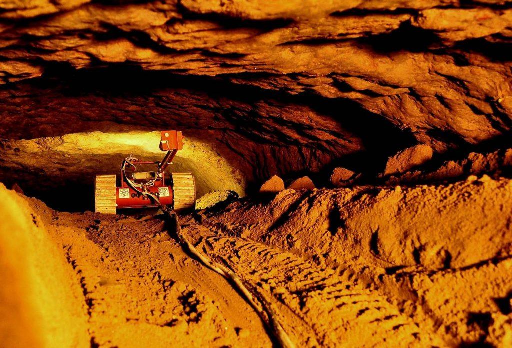 comoara de sub piramida Teotihuacan tunel