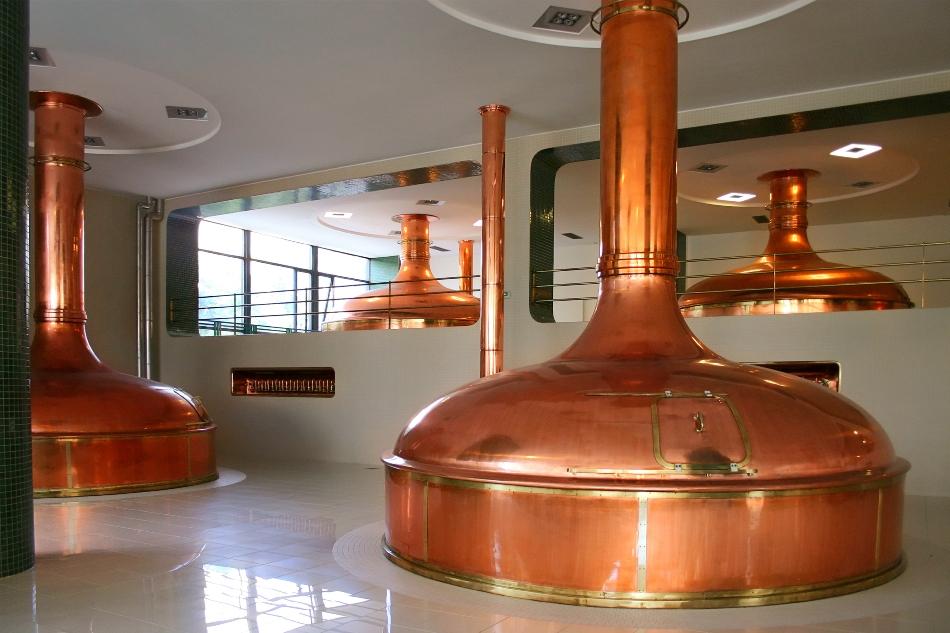 Cazanele în care este fiert mustul de bere pot fi din cupru - material tradiţional