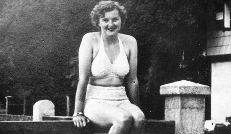 IMAGINILE INDECENTE cu Eva Braun nud, din vremea când era