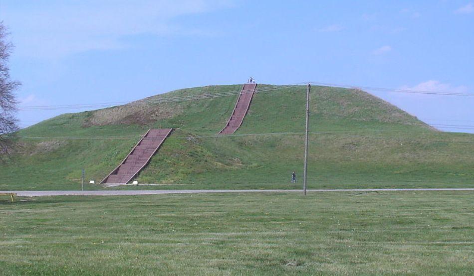 Monks mound fotografiat vara