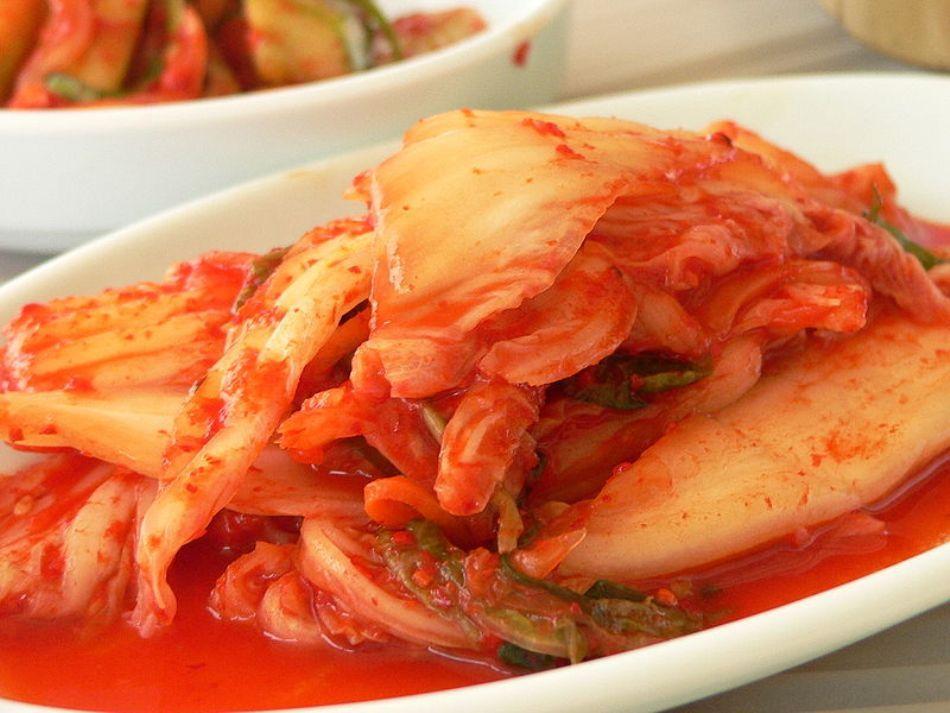 o portie de varza murata kimchi