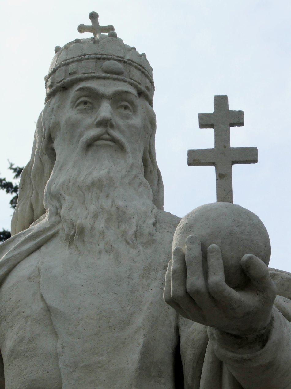 Regele Stefan I al Unigariei a fost ulterior canonizat, devenind Sfântul Stefan.