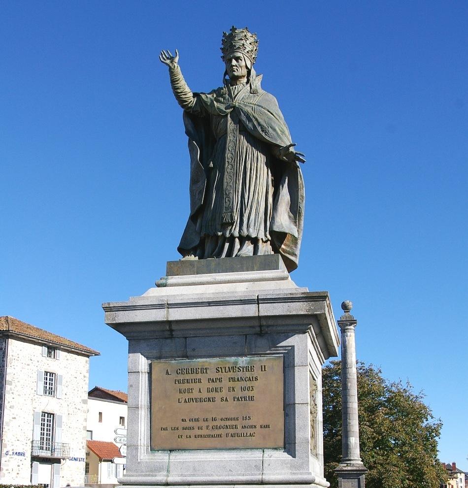 Papa Silvestru al II-lea a fost unul dintre marii învăţaţi ai Evului Mediu, ceea ce l-a ajutat să păstreze autoritatea şi prestigiul papalităţii chiar în vremuri foarte dificile, cum au fost cele din jurul anului 1000.