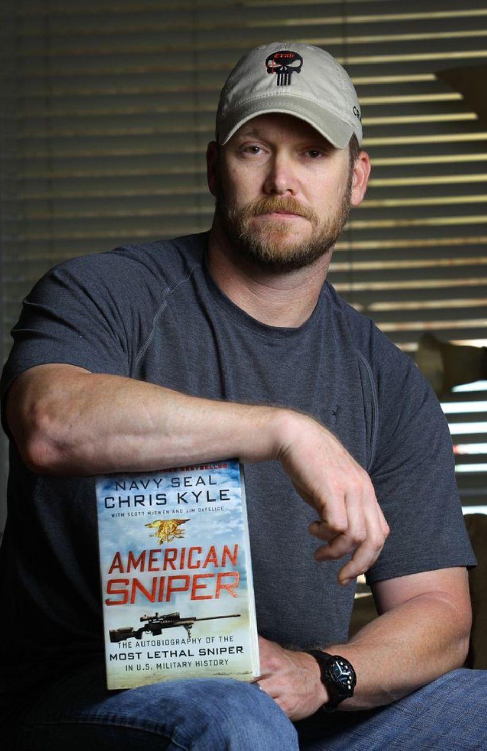 Chris Kyle cu propria carte autobiografică