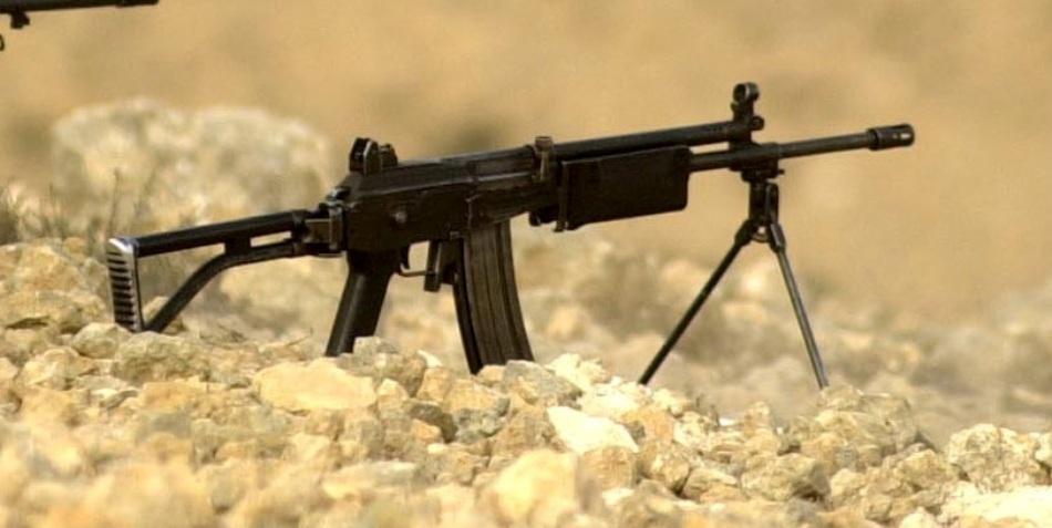 """Pistolul mitralieră de fabricaţie israeliană, marca """"Galil"""""""