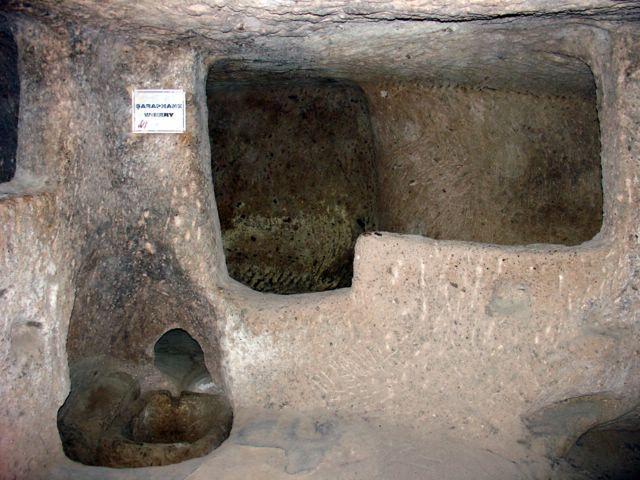 Camera subterană în care se producea vinul
