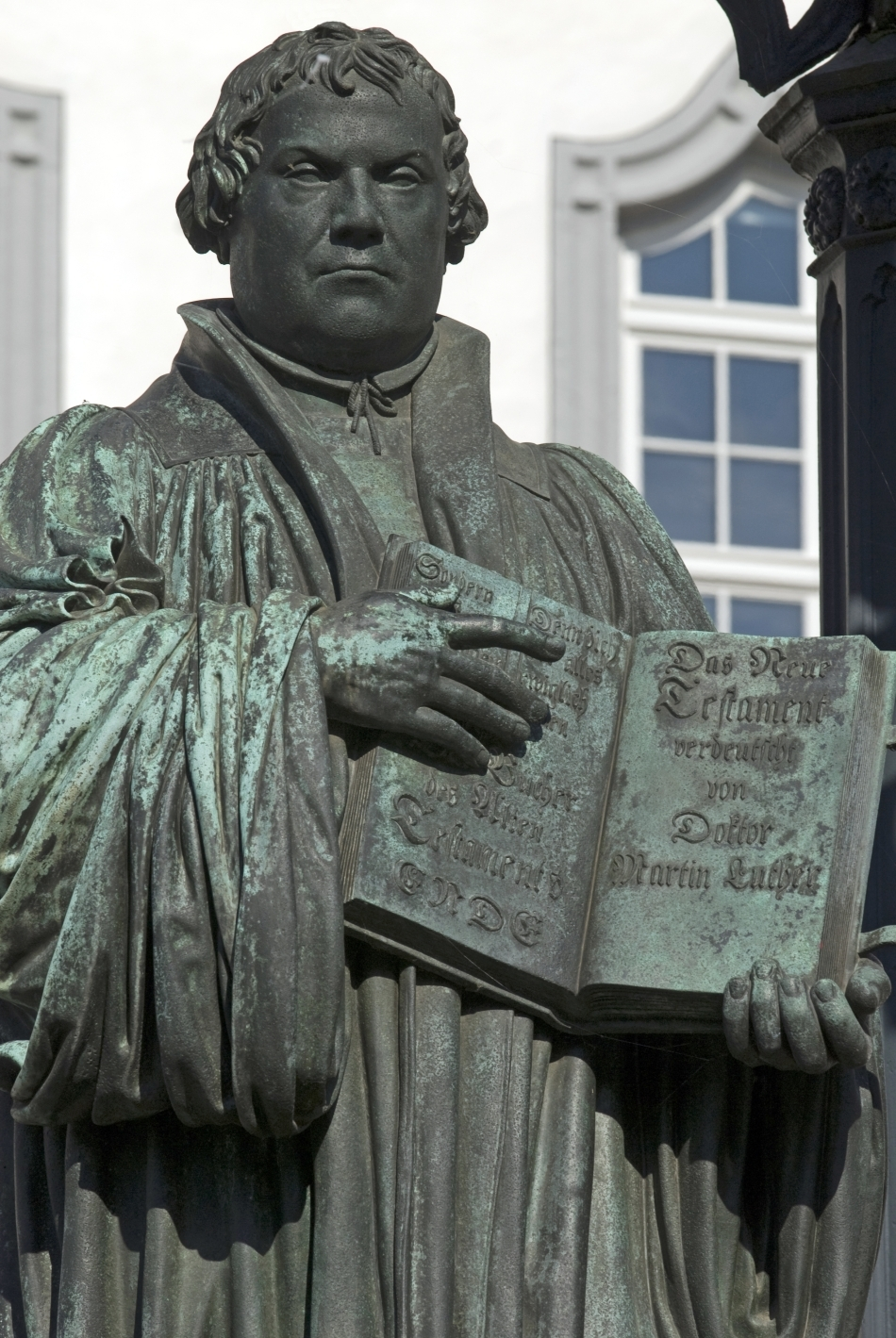 Statuia lui Martin Luther din Wittenberg, Germania
