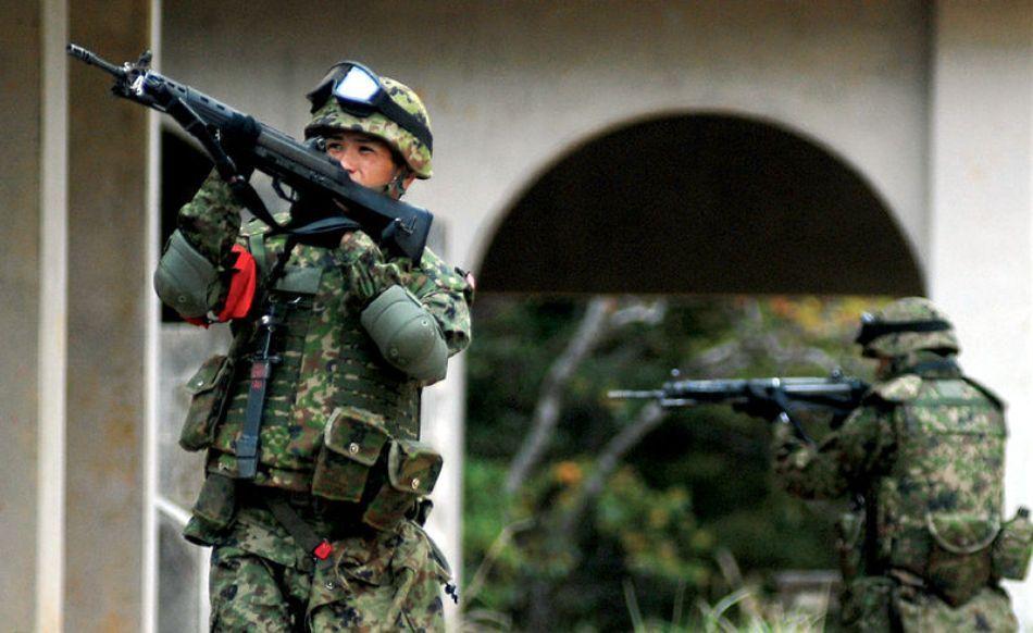 Unităţi ale forţelor antiteroriste nipone la antrenamente şi simulări de intervenţii