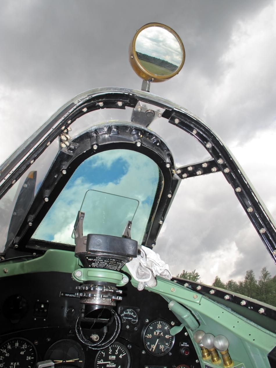 Carlinga unui avion Spitfire