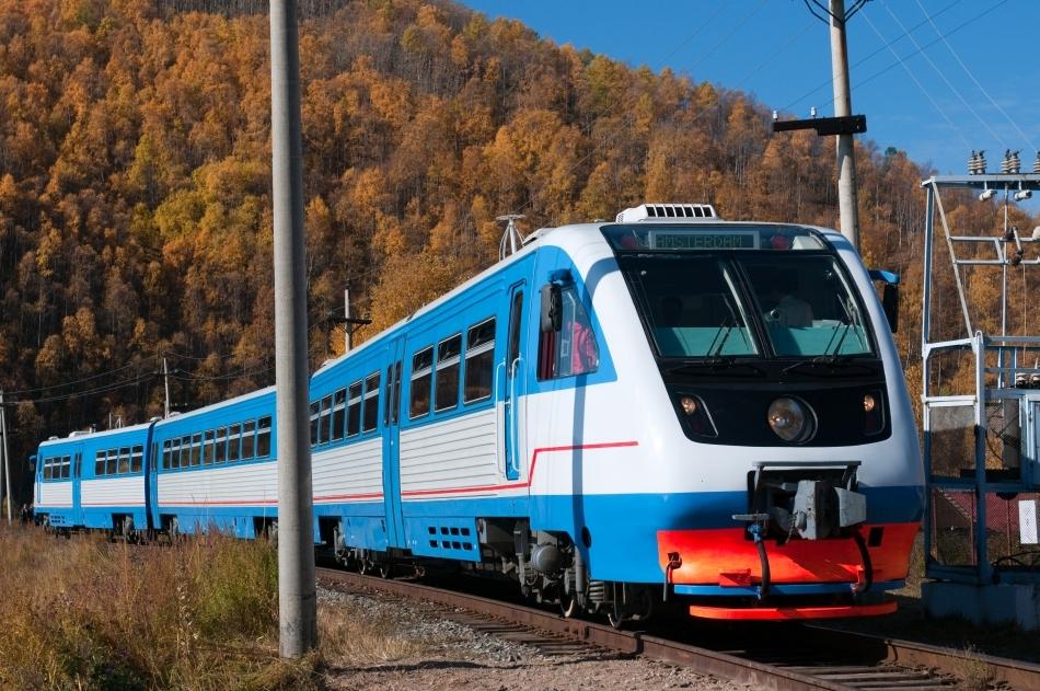 Tren modern pe ruta Trans-siberianului