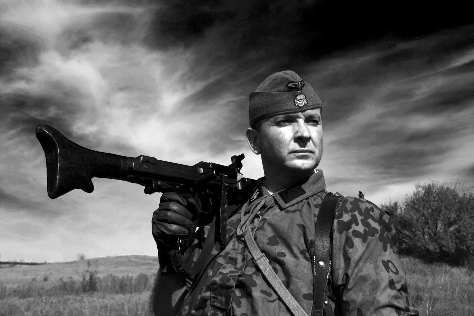 Soldat din cadrul Unităţilor Waffen SS