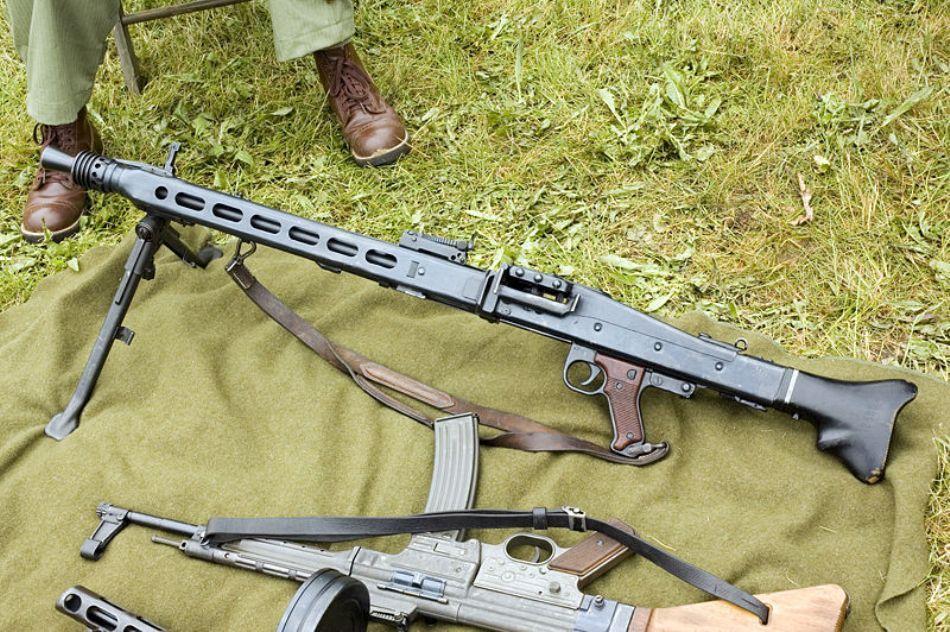 Mitraliera grea germană de tip MG-42