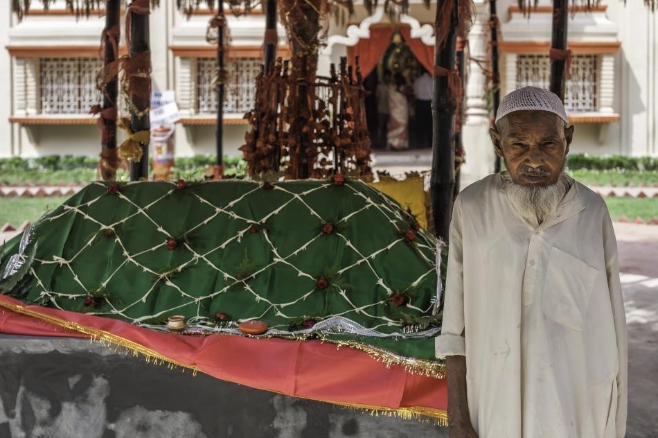 Mormîntul unui sfânt musulman din Pakistan
