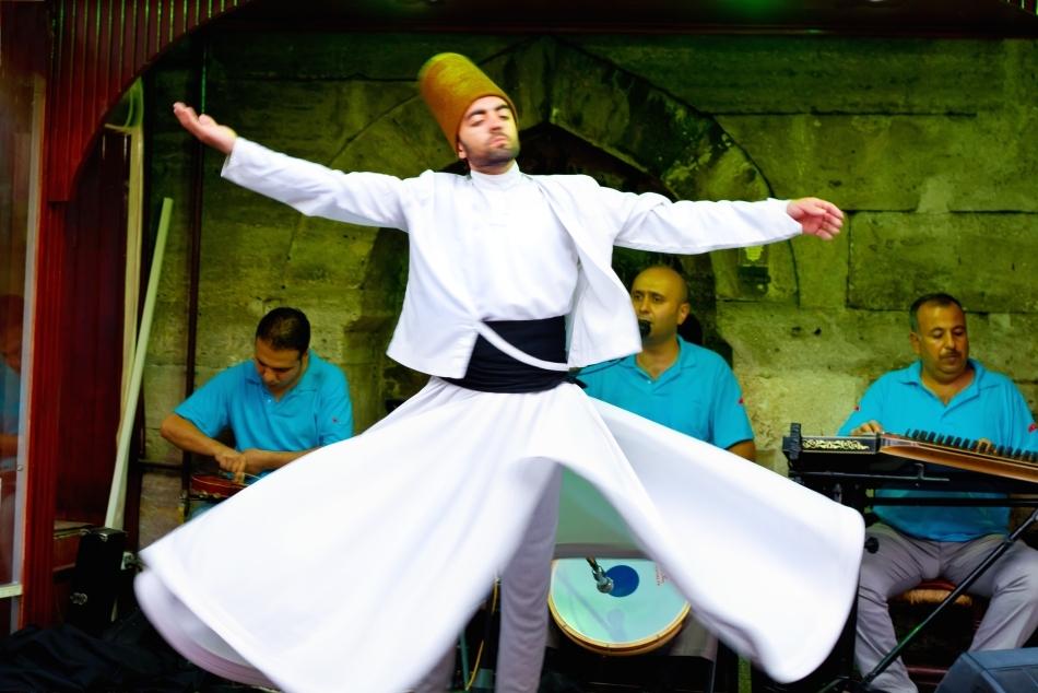 Dans al dervişilor din Konya