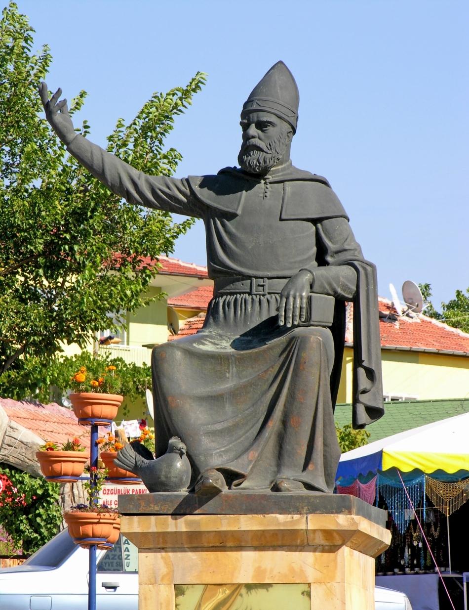 Statuia lui Haji Bektaş Veli din Turcia