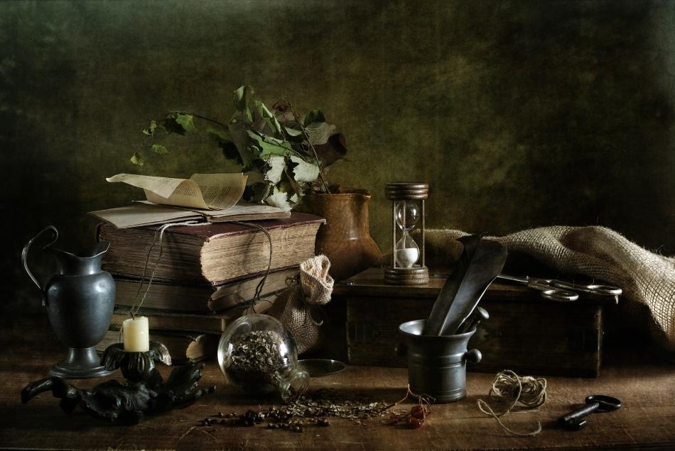 O serie de obiecte folosite în şedinţele de spiritism
