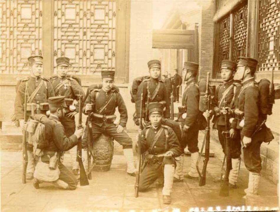 Soldaţi japonezi în timpul Răscoalei Boxerilor