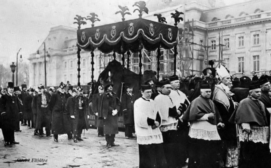 Procesiunea de la înmormântarea regelui Leopold al doilea