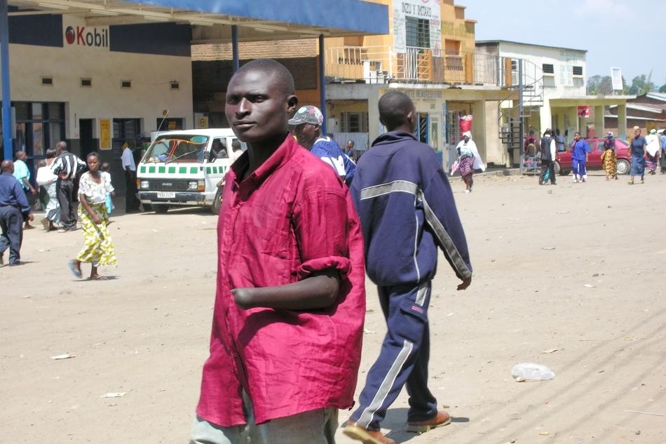 Un supravieţuitor tutsi mutilat de milliţiile hutu