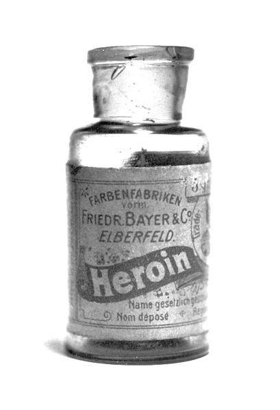 Sticluţă cu heroină, folosită ca tratament