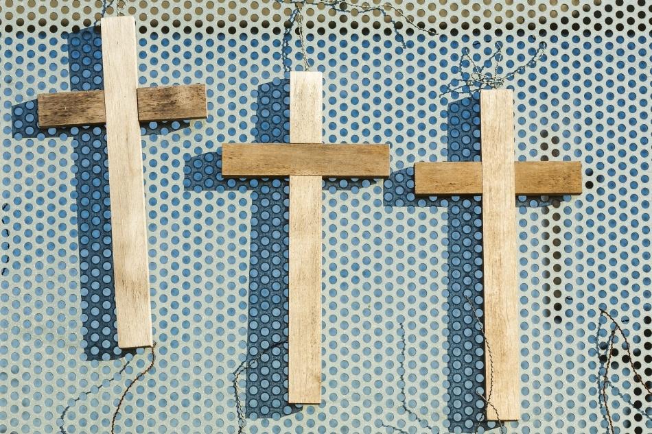 Cruci oferite pelerinilor creştini