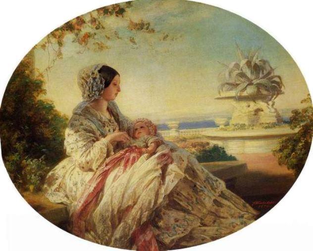 Regina Victoria cu cel de-al şaptelea copil al ei, prinţul Arthur, îmbrăcat într-o rochiţă roz; tabloul datează din 1850 sau 1851.
