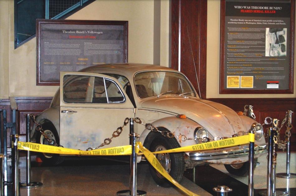 Maşina Volkswagen a lui Ted Bundy, azi exponat de muzeu, la National Museum of Crime & Punishment din Washington, D.C.