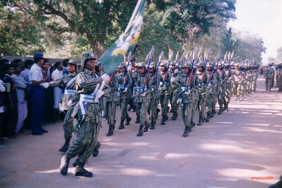 Un batalion de femei soldat din cadrul Tigrilot Tamili.