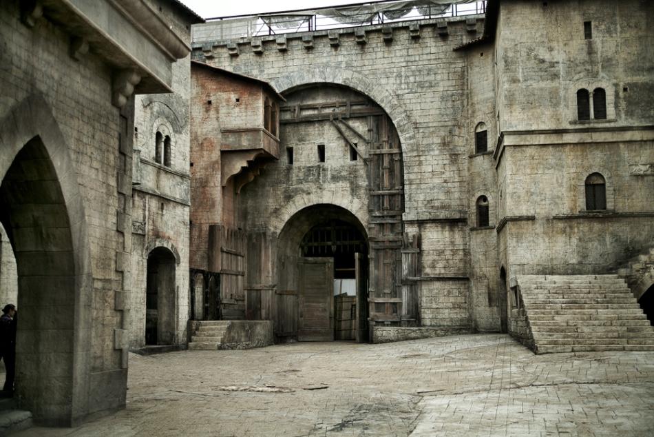 Oraşele şi cetăţile medievale occidentale erau probabil cele mai murdare locuri din acele timpuri.