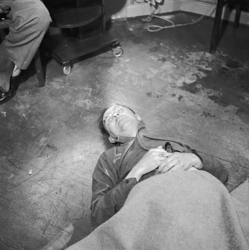 Ultima fotografie a lui Himmler, efectuată imediat după ce acesta s-a sinucis.