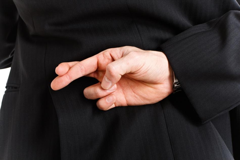 Încricişarea celro două degete se crede că alungă ghinionul şi îndeplineşte dorinţele.