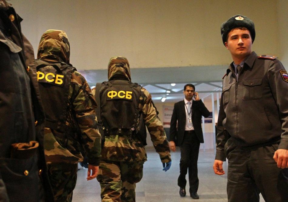 Soldaţi din trupele speciale ale FSB detaşaţi în Aeroportul Domododevo din Moscova