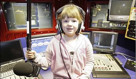 Elaina Smith: realizeaza o emisiune de radio si da sfaturi pentru viata, la 7 ani