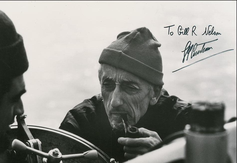 J.Y. Cousteau şi semnătura sa