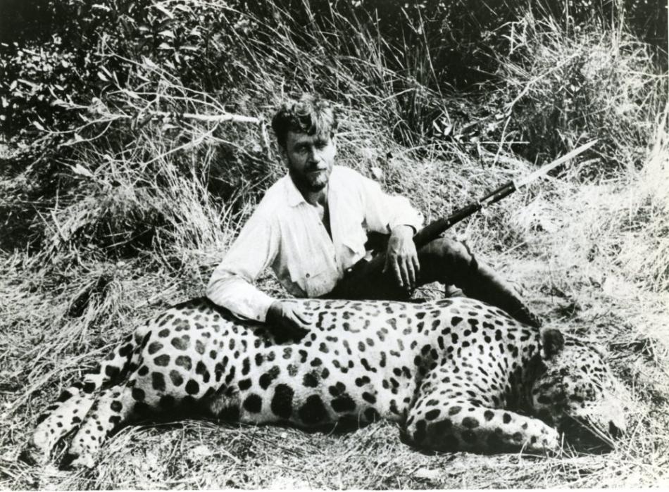 Sasha Siemel, lângă jaguarul Assassino
