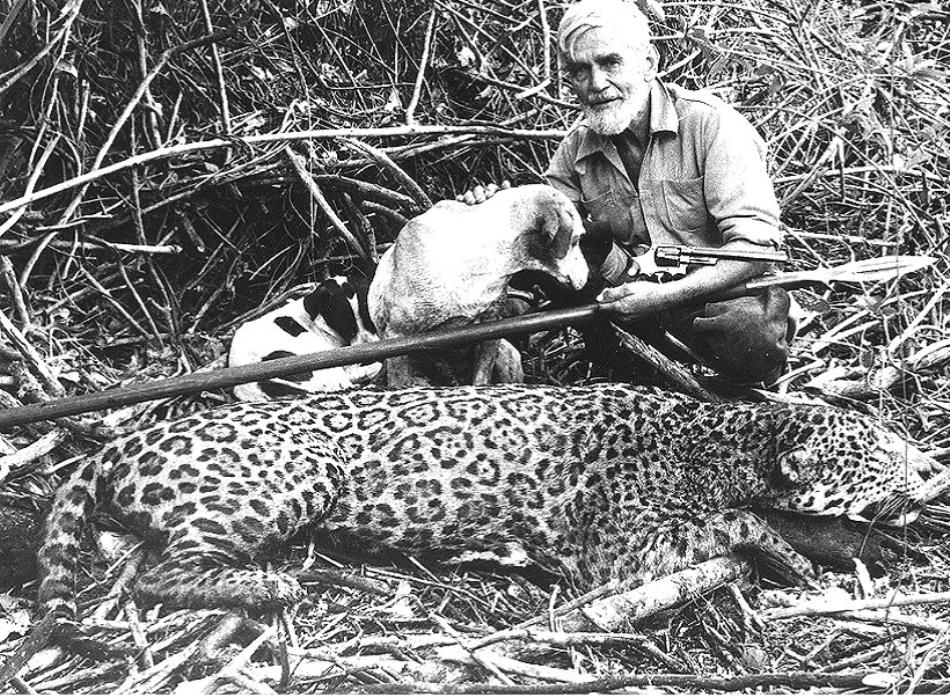 Sasha Siemel alături de ultimul jaguar vânat în cariera sa de Tigrero