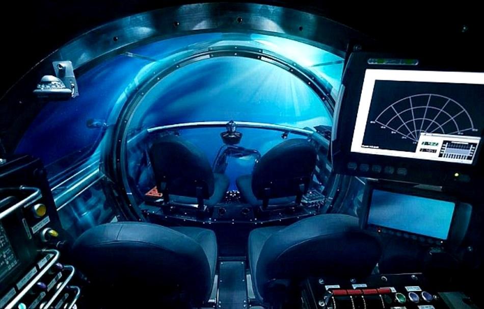 """Mai confortabil decât submersibilele obişnuite de dimensiuni asemănătoare, C-Explorer 5 este numit de producătorii săi """"prima limuzină subacvatică din lume""""."""
