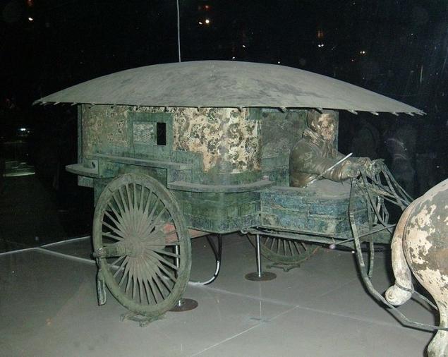 Trăsură imperială descoperită în complexul funerar / © BrokenSphere / Wikimedia Commons