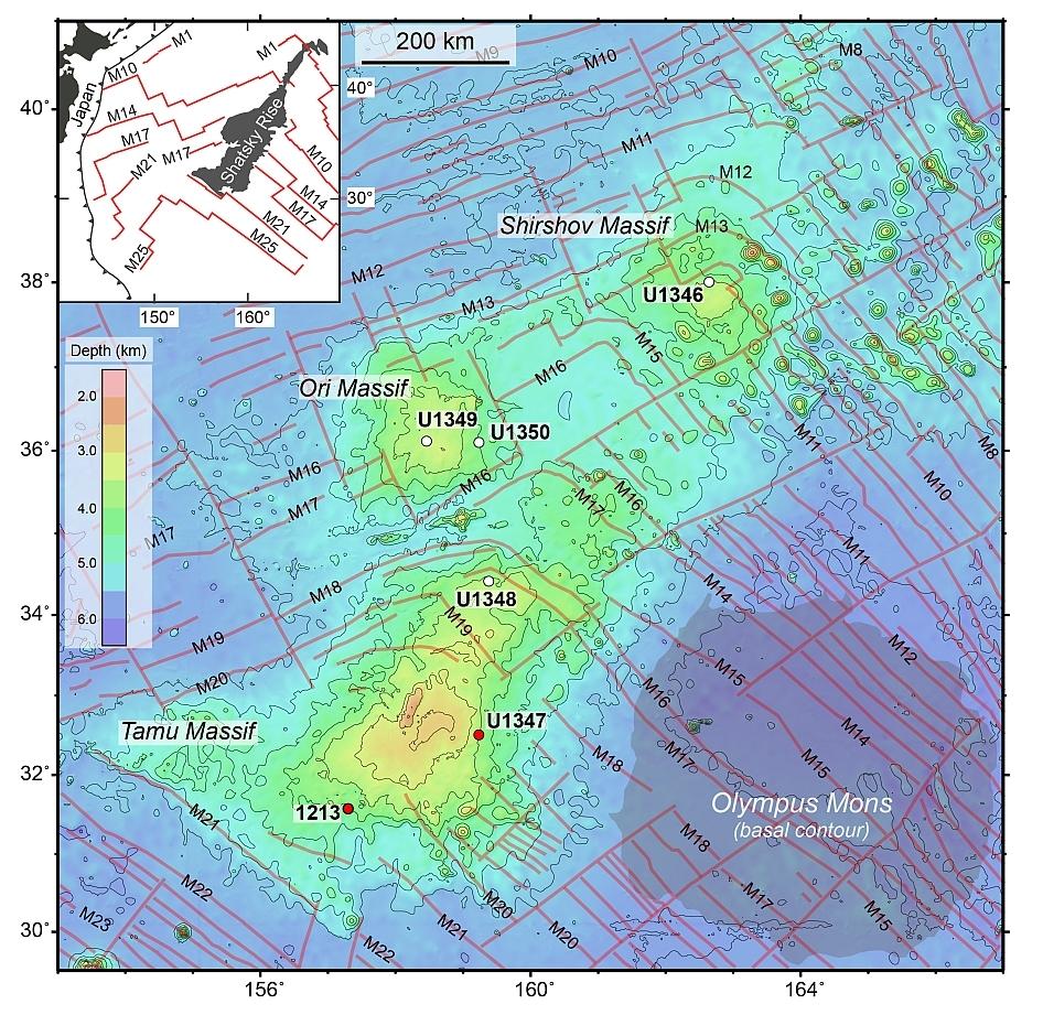 Masivul Tamu, comparat cu Olympus Mons de pe Marte