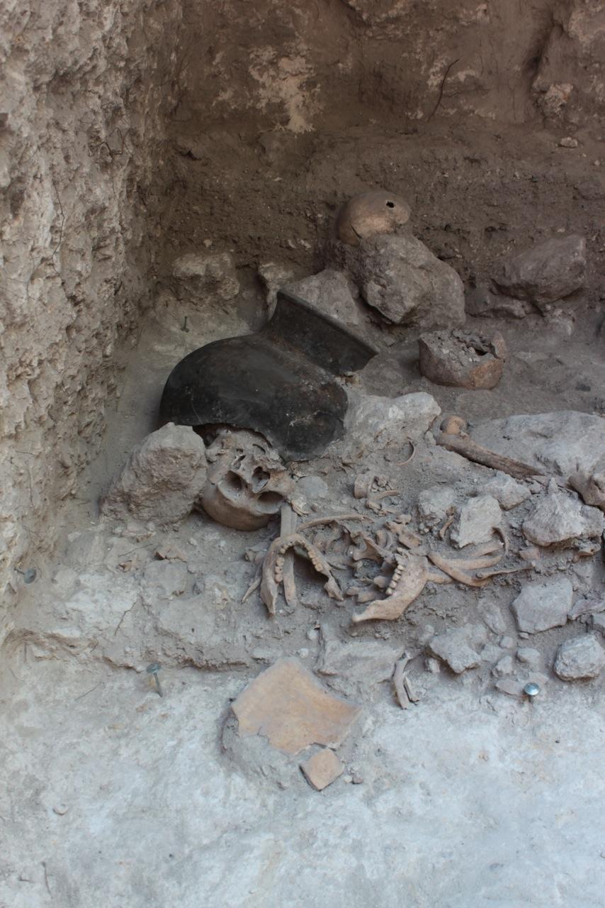 Atrocităţile culturii maya: oamenii de ştiinţă au descoperit un mormânt plin cu trupuri dezmembrate