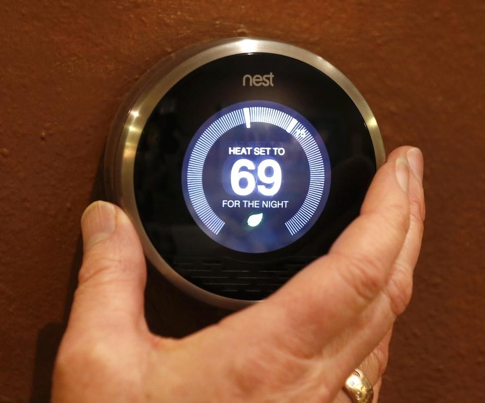 Nest Labs produce termostate care se autoprogramează în funcţie de preferinţele utilizatorului în ceea ce priveşte temperatura ambientală.