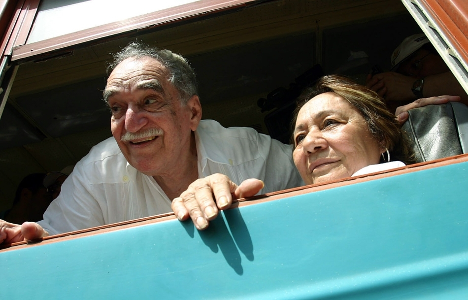 Gabriel Garcia Marquez alături de soţia sa, Mercedes Barcha