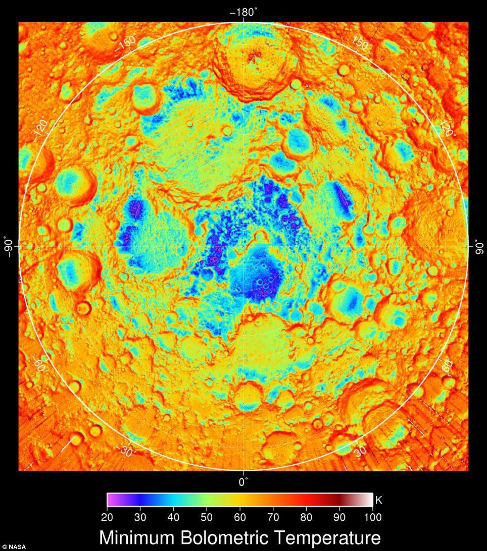 Imaginea arată temperaturile de noapte din zona polului nord al Lunii. Zonele violet şi albastre sunt mai reci, iar cele portocalii şi roşii sunt mai calde