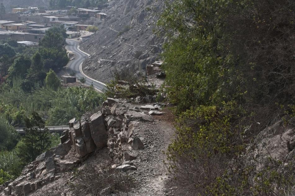 Qhapaq Ñan, drumurile construite de incaşi, timp de mai multe secole, pe o suprafaţă de 30.000 de kilometri, leagă piscurile înzăpezite ale Munţilor Anzi