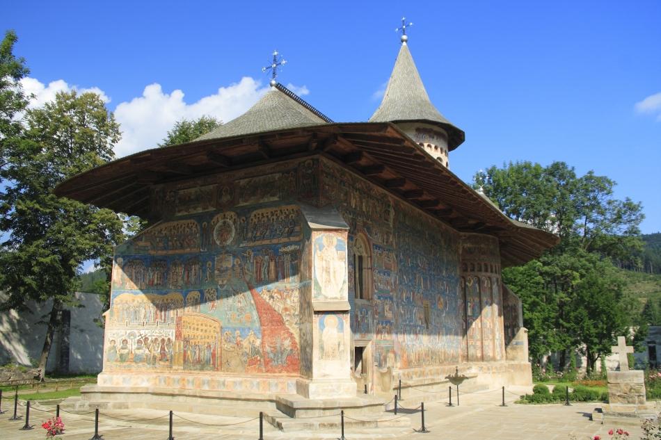 Mănăstirea Voroneţ se află, alături de alte biserici pictate din nordul Moldovei, pe lista patrimoniului cultural mondial a UNESCO.