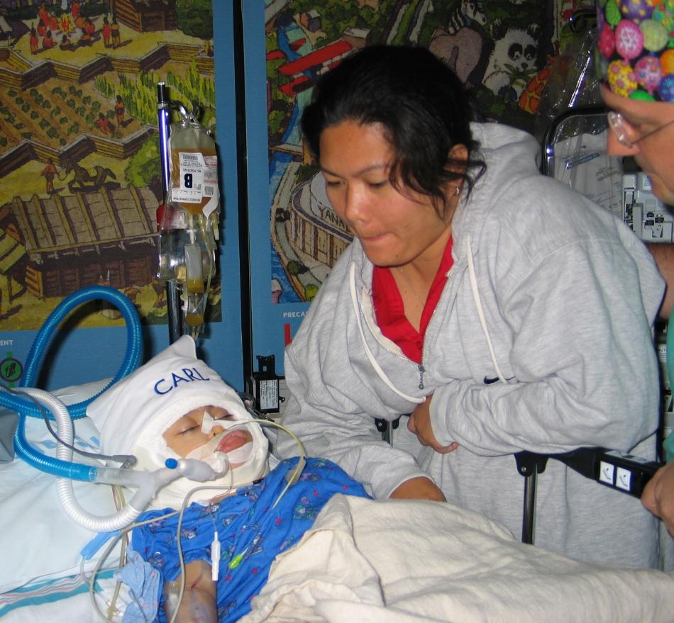 Medicii din Filipine îi ceruseră mamei să decidă care copil va trăi