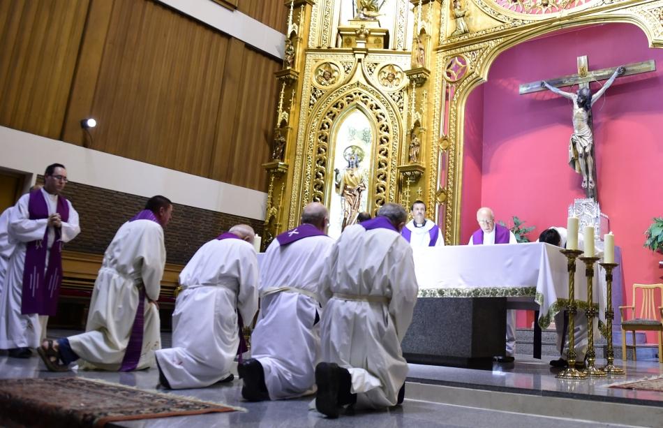 Preotul spaniol infectat cu Ebola în Liberia şi repatriat recent a decedat, a anunţat marţi presa spaniolă, citată de site-ul TheLocal.es.