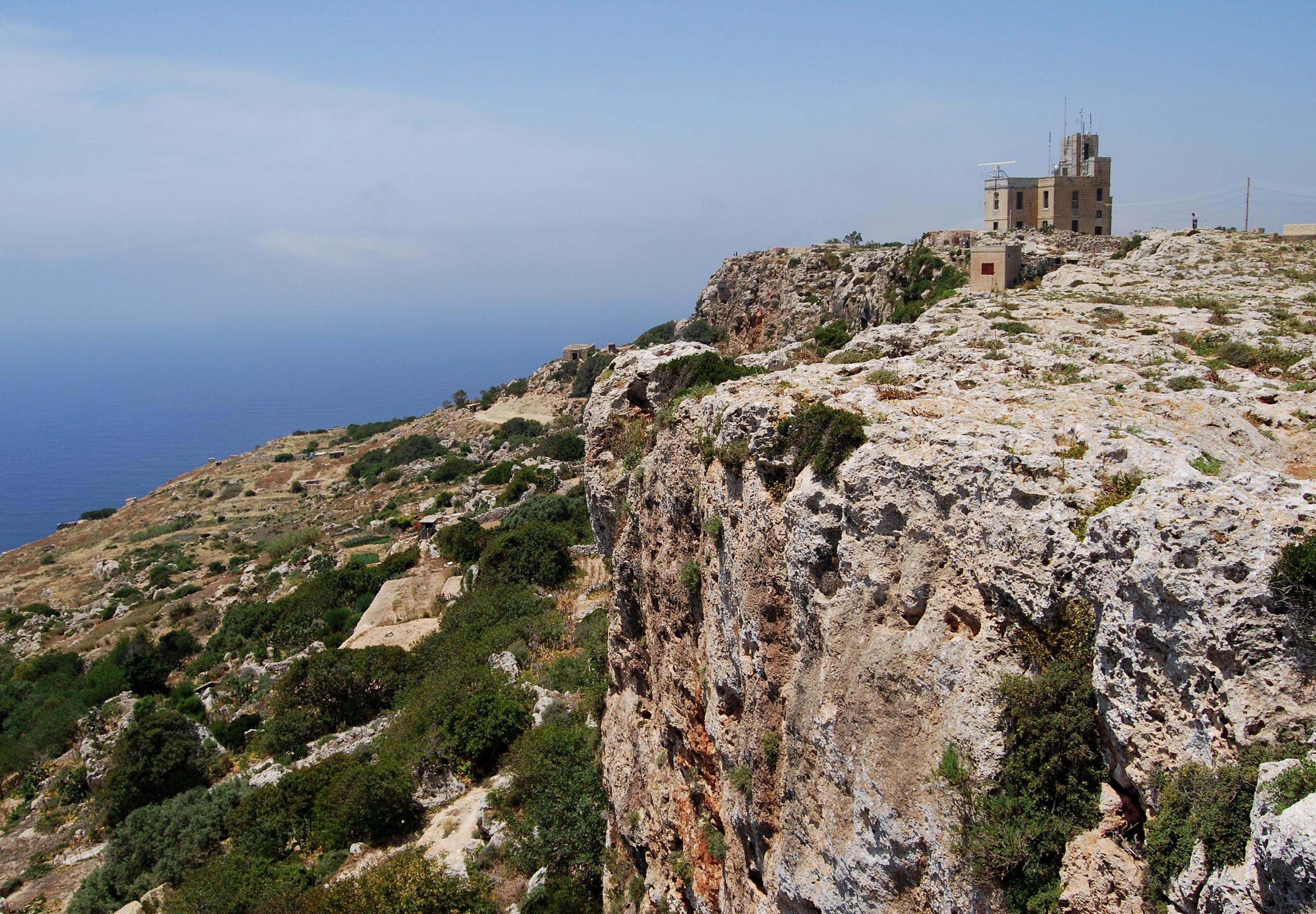 Malta - Ta' Dmejrek - 253 metri