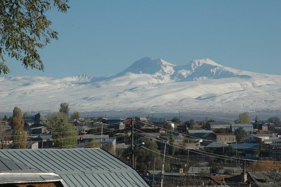 Armenia - Muntele Aragats - 4090 metri