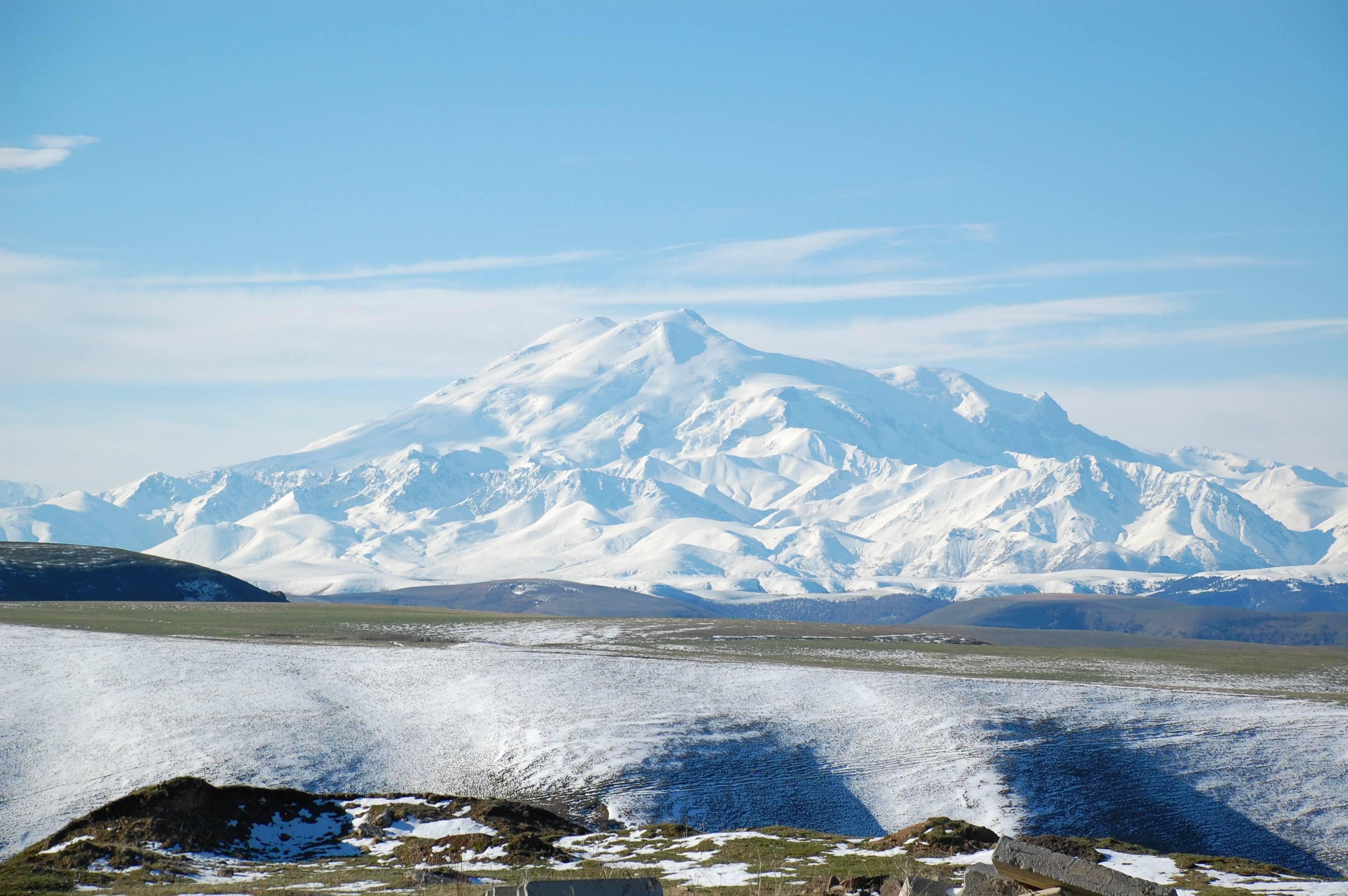 Rusia - Muntele Elbrus - 5642 metri